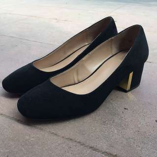Black velvet shoes
