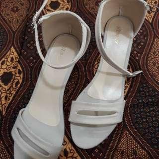 Heels strap (hak tahu)