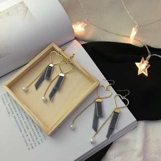 Hearts with Velvet Ribbons Earring / Clip on Ear ring