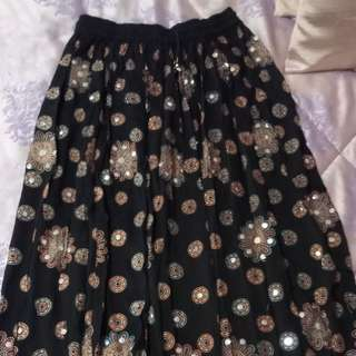 Long Sequins skirt