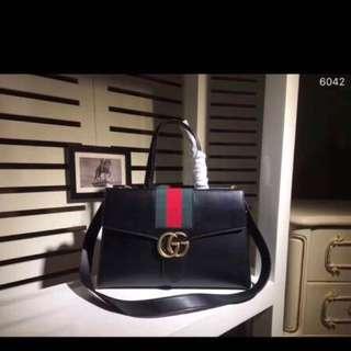 Gucci classic purse
