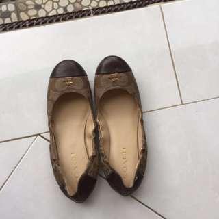 Sepatu coach Autentic