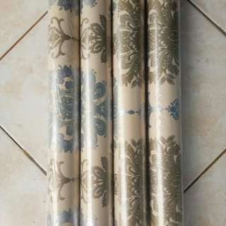 Wallpaper sticker batik cantik