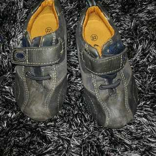 Shoe leather Brand clarks