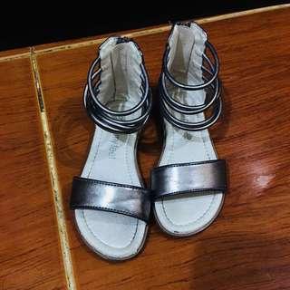 Meet my feet sandal preloved