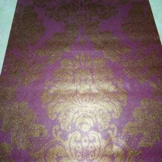 Wallpaper sticker ungu emas