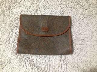 Leather pouch shoulder bag