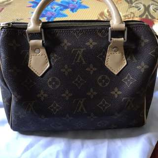 Authentic Louis Vuitton SPEEDY 25 Made in France WS for more details and picture - shila