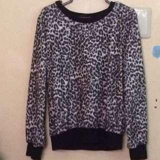 Leopard longsleeve sweater