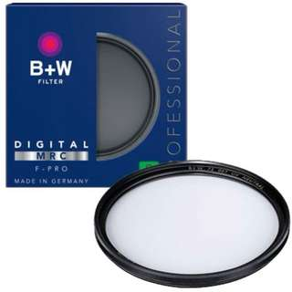 B+W 82mm UV-Haze Pro Filter with Multi-Resistant Coating (010M) (MINT)