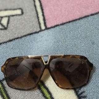 Kacamata LV