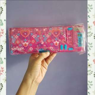 Smiggle pop out pencil case