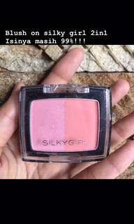 Preloved blush on silky girl 2in1
