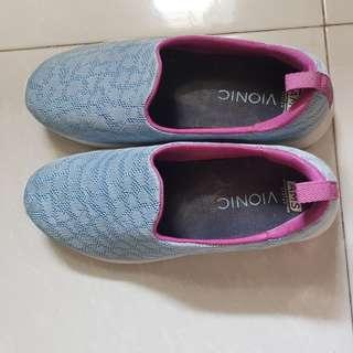 Comfy womens walking shoes