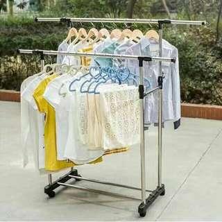 Adjustable doublepole clothes rack