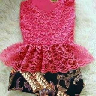 Kb Kiddy (Fanta) (Red) Rp65.000 bahan brukat lapis spandek pinggang karet kombi batik silk prada motif asli sz3-5thn tergantung anak(fanta), redi jkt
