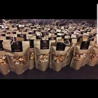 Popcorn in kraft ziplock bags wedding favors berkat doorgift door gift favour baby shower event