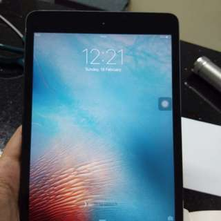 Ipad mini 16gb black (Wifi only)