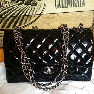 Chanel Double Flap classic bag Jumbo in patent leather