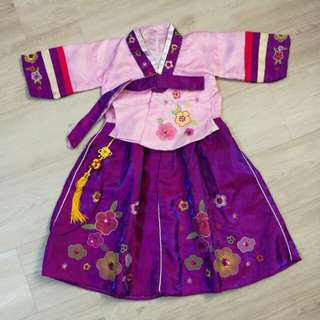 Korean traditional costumes/hanbok