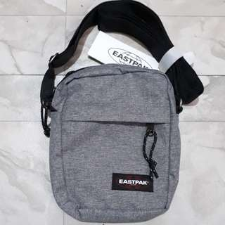 EASTPAK  THE ONE Sling bag 2.5L