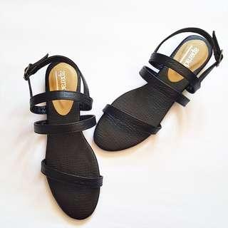 Aparador Athena Black Sandals