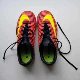 Kids' Nike futsal shoes