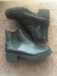 Low Heeled Black Boots