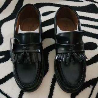JCorps Tussel Leather Shoes