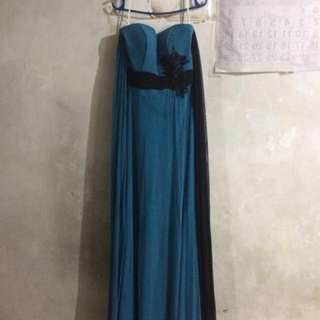 Bluish teal w/ black gown for bridesmaid