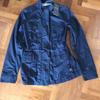 Light travel jacket- many pockets