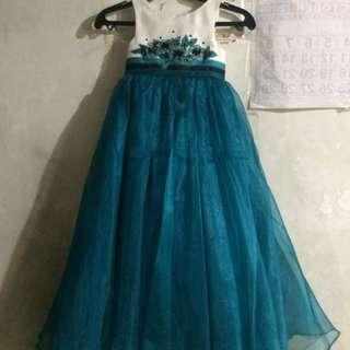 Bluish teal w/ black gown for flowergirl