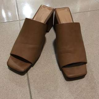 方頭駝色低跟拖鞋跟鞋24.5