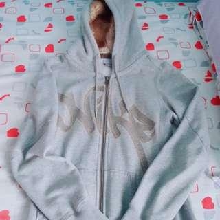 全新淺灰色真Nike毛毛外套