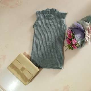 $10 mailed | Grey Ribbed Knitted Top