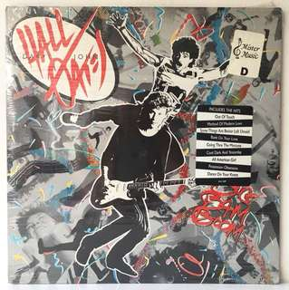 Daryl Hall & John Oates ‎– Big Bam Boom (1984 USA Original - Vinyl is Near Mint)
