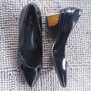 Something Borrowed Black Pump Shoes