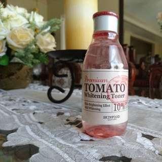 Skinfood  Premium Tomato Whitening Toner + Free Innisfree Green Tea Seed Serum