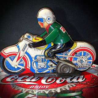 The Racer. Wind-up Tin Toy