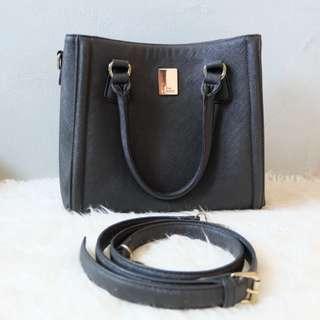 Les Catino Hand Bag
