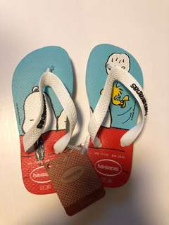 BNWT Snoopy Havaianas Thongns size 6/7 years
