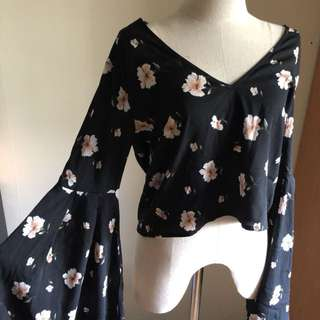 Floral Blouse - trumpet sleeves