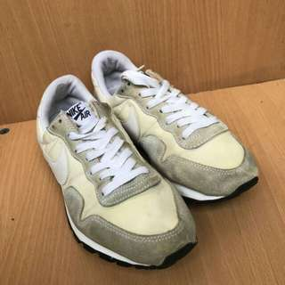 Sepatu Nike Air White buat running