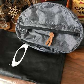 *Brand New* Authentic Oakley Cross Sling Bag/Pouch