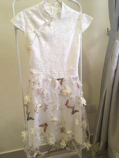 [Second Hand] Cheongsam :White Floral Dress