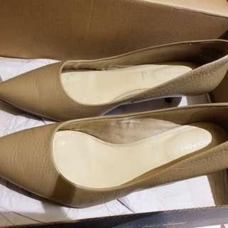 Rockport nude colour heels