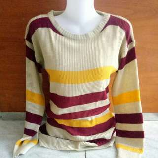 Sweater coklat garis