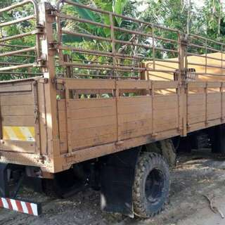 CHEAP GOOD CONDITION LORRY FOR SALE