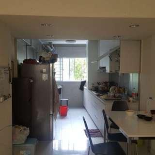 Master bedroom for share at Tiong Bahru