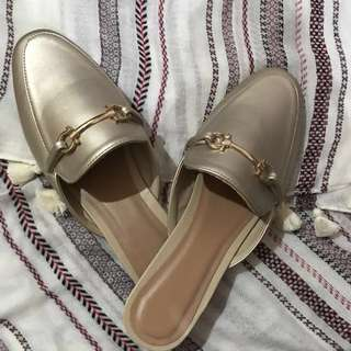Gold Mules w buckle